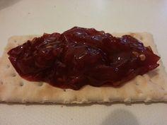 Cracker Magretti Galbusera senza grassi a lievitaz.naturale con la mia marmellata di pomodoro rosso bio Bevaio di Corleone