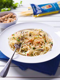 Pittige pasta met ansjovis en pangrattato