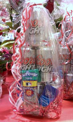 such a cute idea. Valentines gift package with their fav beer and snacks! better then wasting money on something they might never use. Mens Valentines Gifts, Valentine Crafts, Be My Valentine, Valentine Ideas, Homemade Beer, Homemade Gifts, Beer Bouquet, Beer Can Cakes, Valentine's Day Gift Baskets