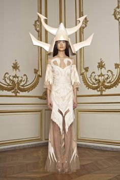 Swan dress by Riccardo Tisci's collection for Givenchy #costume. More from the collection here http://quitecontinental.net/2011/01/26/baroque-givenchy-haute-couture-ss-2011/