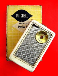 This Mitchell 1103 'Antique White' is a variant of the Regency TR-1 the world's first transistor radio. About 3000 Mitchell's were manufactured in 1955 and only 500 in the antique white color. There are thought to be only 25 – 50 left in the world today! Contrast that with how many Regency TR-1's were manufactured – just over 100,000 with probably around 10,000 left today and you can appreciate how rare this radio is.   © 2007 - 2013 jamesbutters.com by James J Butters. All Rights Reserved.