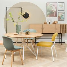 Studio HENK eettafel Butterfly Dining Chairs, Dining Table, Office Desk, Furniture, Home Decor, Studio, Google, Ornaments, Colors
