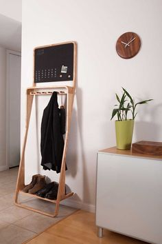 Friendly Leaning Loop Multi-Purpose Organizer Helps Declutter Your Home - http://freshome.com/2015/01/08/friendly-leaning-loop-multi-purpose-organizer-helps-declutter-your-home/