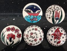 Magnet Ceramic Jewelry, Tile Art, Magnets, Decorative Plates, Pottery, Jewels, Star, Diy Kid Jewelry, Tiles