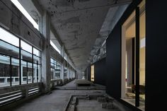 Z Gallery, an art venue inside a massive industrial complex in the new  cultural heart of Shenzhen. - diariodesign.com