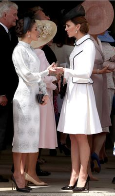 Queen Letizia of Spain and the Duchess of Cambridge at the Order of the Garter Service at St. (Photo: WPA Pool via Getty Images) Kate Middleton Queen, Looks Kate Middleton, Estilo Kate Middleton, Princesa Kate Middleton, Kate Middleton Outfits, Kate Middleton News, Elizabeth Queen, Order Of The Garter, The Duchess
