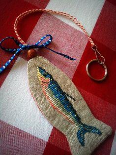 Cross Stitching Fish Bookmark Tag nautical maritime / Kreuzstich Fiosch Lesezeichen Anhänger nautisch