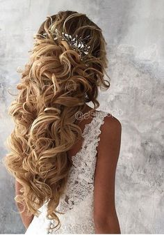 Long Wedding Hairstyles & Bridal Updos via Elstile / http://www.deerpearlflowers.com/long-bridesmaid-hair-bridal-hairstyles/6/