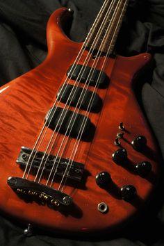 Veillette-Citron, 8-String Bass, 1983 - Kasim Sulton   Tune Your Sound