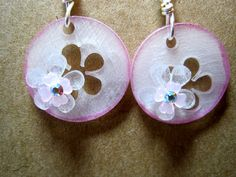 Sweet shrink plastic flower earrings by doggiedogdesigns on Etsy