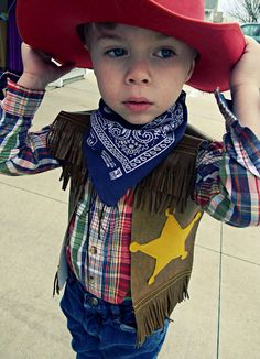 DIY pattern for a cowboy vest. We have Western Day on Friday and I am so making this!