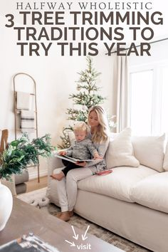 Click here to check out these tree trimming traditions on Halfway Wholeistic! You'll love the best tree trimming ideas branches. Check out all the festive tree topper ideas Christmas rustic! Try these Christmas traditions for couples newlyweds. These Christmas tree ornament color schemes make for a fun Christmas tradition with family. This is a fun Christmas tree ideas decorating ribbon garland. Best Christmas traditions kids toddlers families. #Christmas #tree #traditions Living Room Decor Styles, Cute Living Room, Living Room Decor On A Budget, Family Room Decorating, Family Room Design, Home Decor Styles, Living Rooms, Home Interior, Natural Interior
