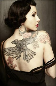 Beautiful Raven Tattoo Design And Meaning For Women -Readmore http://tattoosclick.com/raven-tattoo-designs