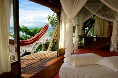 Secluded treehouse on a Brazilian beach.. I'd call that perfection! Pousada Sage Point.