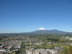 New Plymouth - Wikipedia Love, love, love our town - wouldn't live anywhere else! New Plymouth New Zealand, Devon Uk, Our Town, The Beautiful Country, British Isles, Mount Rainier, Travel Guide, Around The Worlds, Mountains