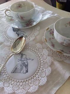 Alice in Wonderland Tea Party Doilies White Mad Hatter Queen of Hearts Set 12 | eBay