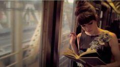 La lectrice dans le train, vue par Jonathan Coe et Paul Auster (extraits « Testament à l'anglaise » et « Trilogie New-Yorkaise) http://www.buzz-litteraire.com/la-lectrice-dans-le-train-vue-par-jonathan-coe-et-paul-auster-extraits-testament-a-langlaise-et-trilogie-new-yorkaise/