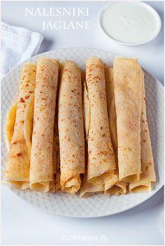 Naleśniki jaglane (bezglutenowe) The post Naleśniki jaglane (bezglutenowe) appeared first on fitness. Gluten Free Crepes, Gluten Free Sweets, Vegan Recipes, Cooking Recipes, Eat Happy, Vegan Kitchen, Foods With Gluten, Healthy Sweets, Food Inspiration