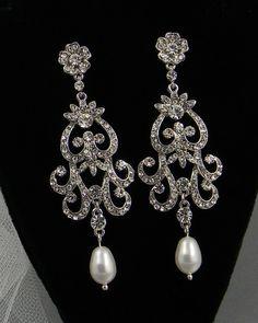 Bridal Pearl Necklace, Crystal wedding Necklace, Wedding jewelry, Swarovski Pendant Pearls, Rhinestone,  Vintage style,  Leah