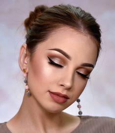 matte eyeshadow makeup ideas, Natural makeup ideas, makeup look ideas for teens, natural makeup for Natural Makeup For Brown Eyes, Eyeshadow For Brown Eyes, Natural Makeup Looks, Matte Eyeshadow, Simple Makeup, Eyeshadow Makeup, Denitslava Makeup, Fall Makeup, Beauty Makeup