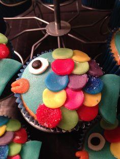 De mooiste vis van de zee - Made by Cakeworkz Cupcakes, Cupcake Cakes, Kid Pool, Sea Fish, Otters, How To Make Cake, Birthdays, School, Sweet