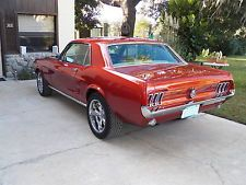 Ford : Mustang coupe 1967 mustang coupe 302 fuel injected burnt orange air conditioned automatic