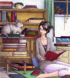 En la imagen sale una mujer que esta sentada leyendo un libro rojo. La mujer tiene el pelo y los ojos negros. Lleva puesto una camiseta de color azul con rayas blancas, una chaqueta gris y un pantalón morado. Al lado hay un gato de pelaje gris y ojos verdes. Esta sentado encima de unos libros. Detrás hay una estantería con libros de diferentes colores, al lado una ventana y debajo una caja con libros.
