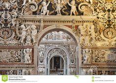 palermo-detail-side-nave-church-la-chiesa-del-gesu-casa-professa-baroque-was-completed-year-april-30622652.jpg (1300×933)