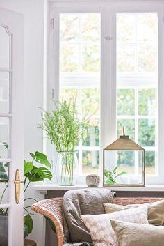 Suport lumanare Atmosphere Gold Antique #homedeco #decoinspiration #Homedecor Windows, Antiques, Gold, Design, Home Decor, Antiquities, Antique, Decoration Home, Room Decor
