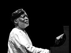 Ahmad Jamal (Frederick Russell Jones) es un pianista estadounidense de jazz que nació el 2 de julio de 1930. Fue una de las principales influencias musicales de Miles Davis y está considerado como uno de los pianistas más relevantes de la historia del jazz. Jamal es un pianista del cool y de la tradición clásica jazzística. http://youtu.be/vttrJskBF38