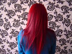 Soo nice, I love this pic. Apparently her hair was dyed with Henna. Can`t wait to try it =)