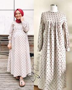 Abaya Fashion, Muslim Fashion, Fashion Dresses, Girls Bikini Bottoms, Estilo Abaya, Bird Dress, Frocks For Girls, Muslim Girls, Casual Dresses