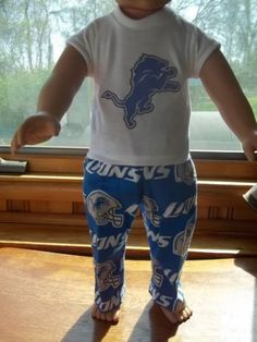 18-INCH-DOLL-CLOTHES-FOR-BOY-DOLLS-FUN-DETROIT-LIONS-LOUNGE-SLEEP-SET
