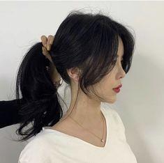 Medium Hair Cuts, Medium Hair Styles, Long Hair Styles, Hair Flip, Cut My Hair, Side Bangs Hairstyles, Pretty Hairstyles, Hair Inspo, Hair Inspiration