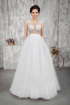 New update of Carla sposa line came up. Design 1657 #slanovskiy #weddingdress #gown #carlasposa