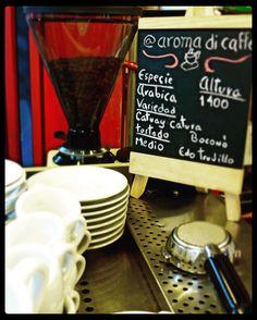 Compartimos la excelencia del mejor café  Disfruta un momento especial con la mejor compañía.  Conócenos en el C.C. Metrocenter pasaje colonial. #AromaDiCaffé #MomentosAroma #SaboresAroma #Café #Coffee #CoffeeLovers #CoffeeMoments #CoffeeTime