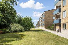 Qvantenborgsvägen 3B, Kobjer, Lund — Bjurfors Lund, Sidewalk, Mansions, House Styles, Home Decor, Luxury Houses, Interior Design, Home Interior Design, Pavement