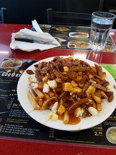 Rôtisserie Coq-O-Bec  Saint-Amable (Québec) Poutine Tres Amigos (Saucisses italienne, merguez, porc, boeuf) Poutine, Coq, Saint, Chicken Wings, Waffles, Restaurant, Meat, Breakfast, Three Friends