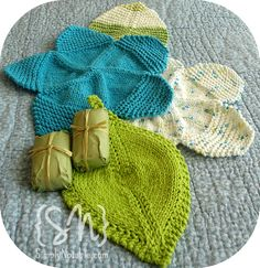 Knitted Flower Power Washcloths pattern  FREE I will use these for washing my dishes!