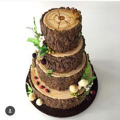 Apaixonada por esse bolo by @sarah.l.baldwin ! #loucaporfesta  #loucaporfestas  #loucasporfestas  #decoração  #party #cake bolodecorado