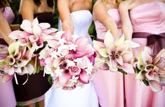 But I would have each bridesmaid have their item color: pink purple orange. And their dresses would match their bouquet! Calla Lillies Bouquet, Calla Lily Flowers, Wedding Beauty, Dream Wedding, Wedding Day, Wedding Blog, Lys Calla, Pink Lila, Pink Purple