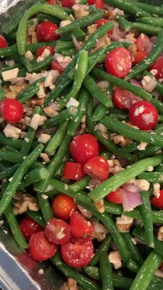 Green bean salad with feta and cherry tomatoes is a Greek inspired cold salad with tender crisp green beans that makes an insanely good side dish Green Beans With Bacon, Green Beans And Tomatoes, Cherry Tomatoes, Greek Green Beans Recipe, Easy Green Bean Recipes, Bean Salad Recipes, Pizza Hut, Best Side Dishes, Salmon Side Dishes