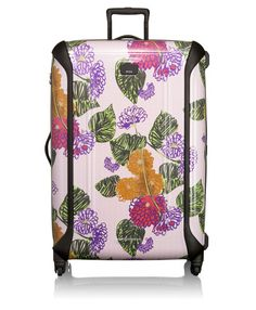 Travel accessories brand TUMI and designer Anna Sui have reunited for a second season with a collection of beautiful, lightweight cases and bags in raspberry and pansy hues. Anna Sui Looks, Honeymoon Essentials, Case Study Design, Cute Luggage, Large Suitcase, Vogue Australia, Tumi, Travel Packing, Luxury Travel