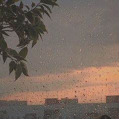 Find images and videos about vintage, aesthetic and sky on We Heart It - the app to get lost in what you love. Sky Aesthetic, Aesthetic Photo, Aesthetic Pictures, Wallpaper Rain, Foto Pose, Wall Collage, Land Scape, Aesthetic Wallpapers, Grunge