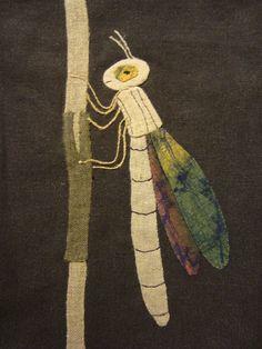 'libellule aux ailes mordorées'
