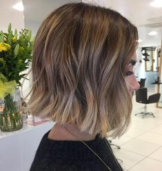 Brunette Balayage Hair Discover 70 Fabulous Choppy Bob Hairstyles Blunt Subtly Angled Bob with Light Waves Medium Bob Hairstyles, Hairstyles Haircuts, Bob Hairstyles For Thick, Medium Hair Styles, Curly Hair Styles, Bob Haircut For Fine Hair, Blunt Haircut, Blunt Bob Haircuts, Haircut Bob