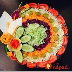 New fruit and vegetables art inspiration Ideas Vegetable Decoration, Food Decoration, Salad Design, Food Design, Salad Presentation, Creative Food Art, Food Carving, Vegetable Carving, Food Garnishes