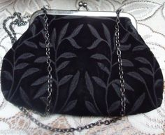 Vintage Jeanne Lottie Privilege Paris Velvet Japanned Frame Chain Evening Bag