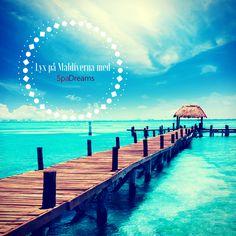 🏖️ Med vem vill du njuta av den här härliga utsikten?🌞🌞    💙Upplev #lyx på #Maldiverna!💙🥂  Läs mer 👉 https://www.spadreams.se/lyxsemester-pa-maldiverna
