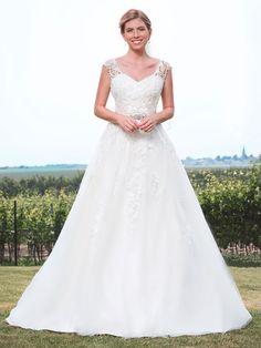 Rock, Wedding Dresses, Fashion, Tops, Appliques, Dress Wedding, Curve Dresses, Bride Dresses, Moda